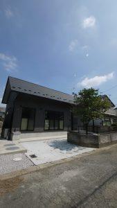 家づくりのプロが選ぶ 平屋でもない、二階建てでもない 美しい日本の家 カーサ アマーレ
